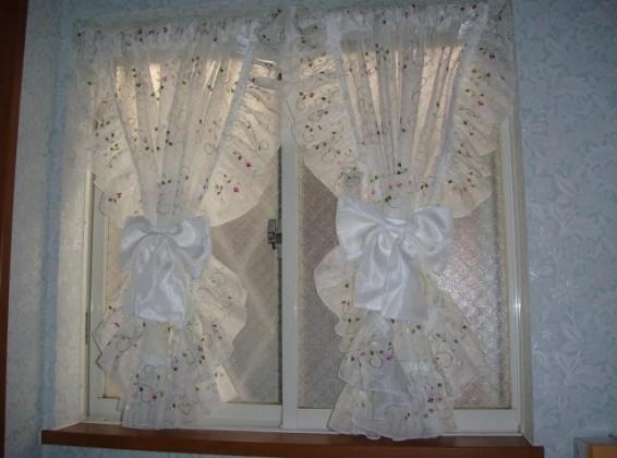 刺繍のレースセパレートカーテン