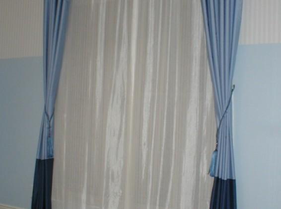 アクセントボーダーカーテン