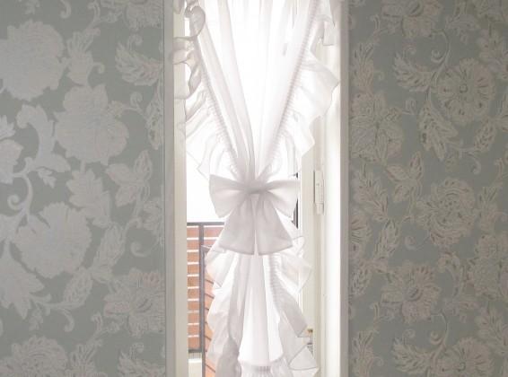 エレガントな空間にカーテンで更に彩りを✨