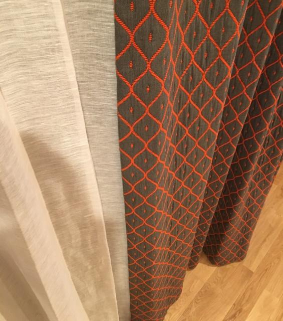 自然素材のジムトンプソンのカーテンで作るナチュラルな空間